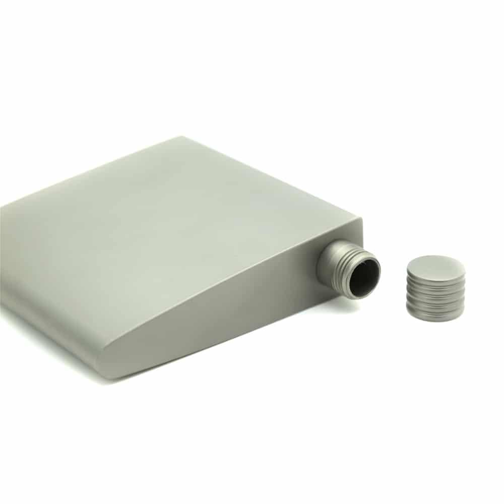 military-enthusiast-pure-titanium-hip-flask-2