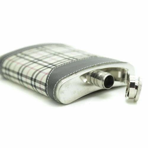 highlander-7oz-hip-flask-gift-set-2