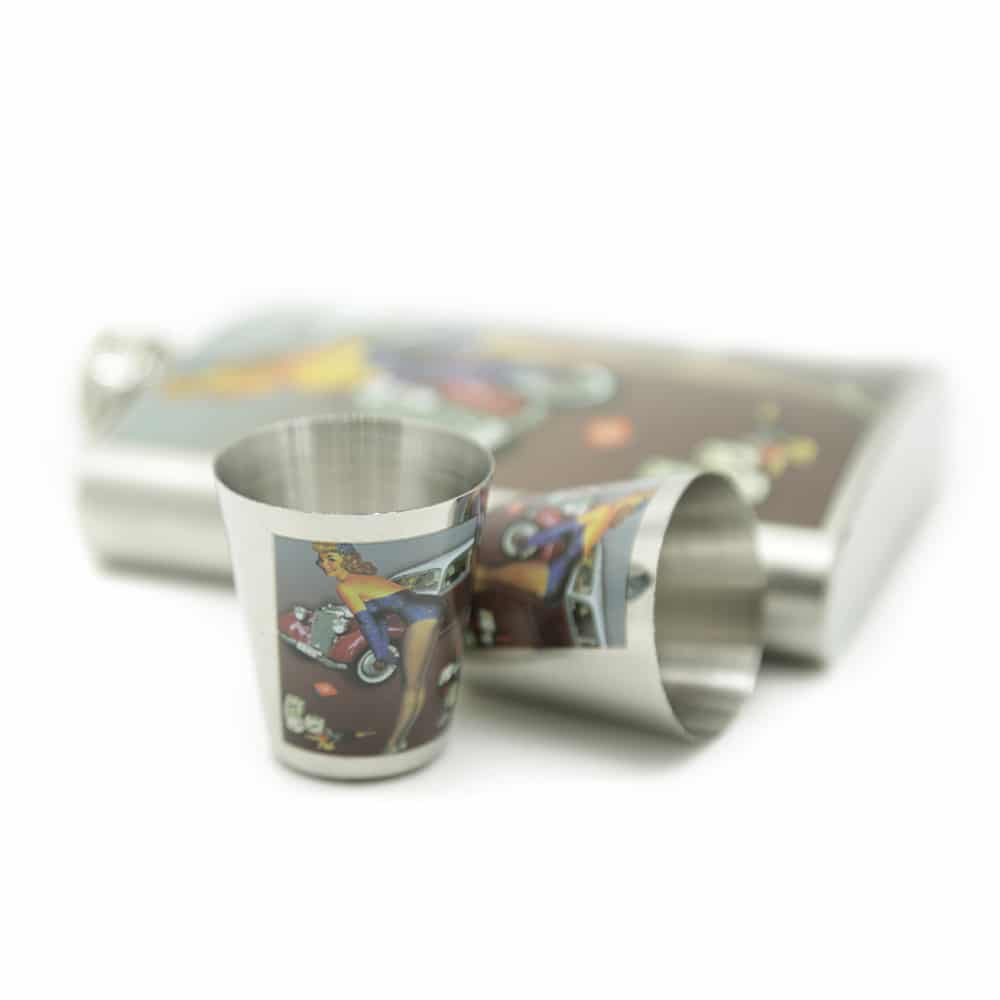 cars-dices-pin-8oz-hip-flask-set-4