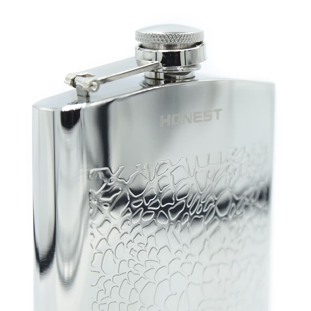embossed-7oz-hip-flask-3