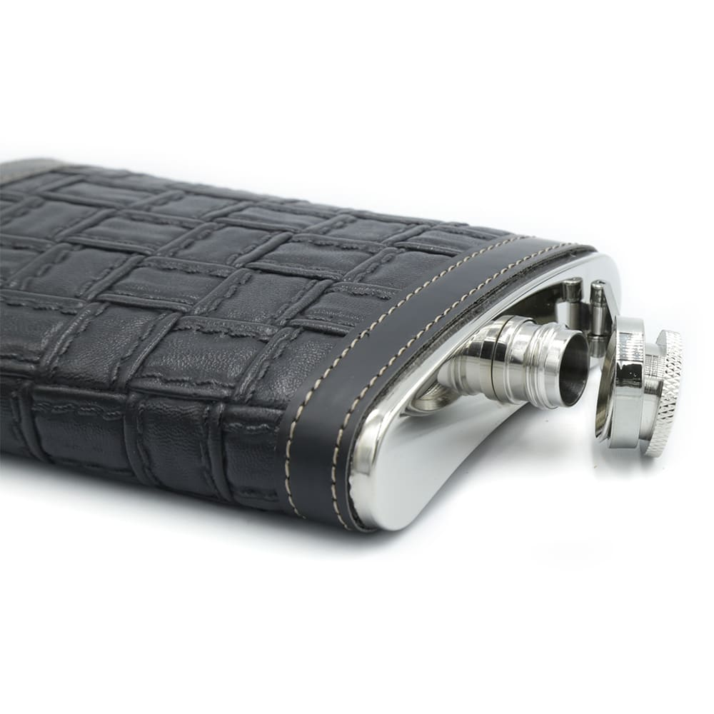 alligator-texture-black-9oz-hip-flask-2