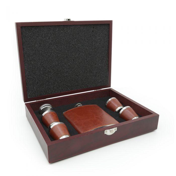 6oz-saddle-brown-luxury-hip-flask-box-set-3